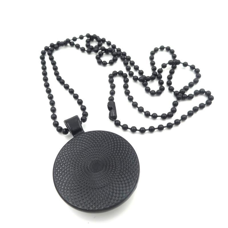 XUSHUI XJ لعبة العرش الفيلم مجوهرات الزجاج كابوشون قلادة قلادة الأسود الخرز سلسلة القلائد الطويلة للنساء