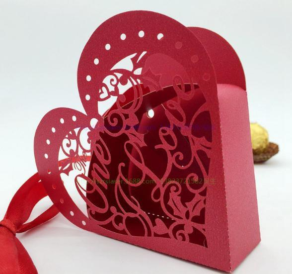 2018 New Hollow Love Heart Wedding Favor Holders Candy Boxes Chocolate Bags with Ribbon Baby Shower Party Gifts Boxes