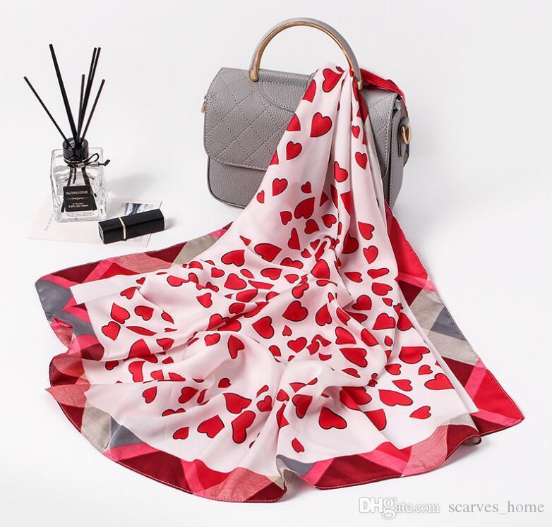 2018 Nouvelle Arrivée Femmes Foulards Carrés Doux Coeur Imprimer Printemps Automne Mode Petit Foulard En Soie Femmes Cou Foulards 70 * 70 cm