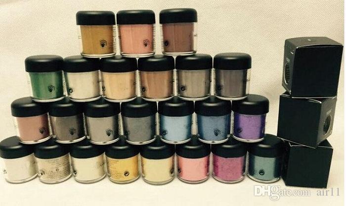 NOUVEAU pigment fard à paupières / Mineralize l'ombre des yeux avec les couleurs Nom anglais 24 couleurs /  couleur d'envoi aléatoire