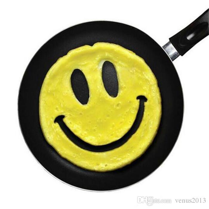 Smiley Face Egg Mold Silicone Smile Shaped Pancakes Dispositivo de la tortilla Huevo Herramienta Cocina DIY creativo Fried Egg Mold
