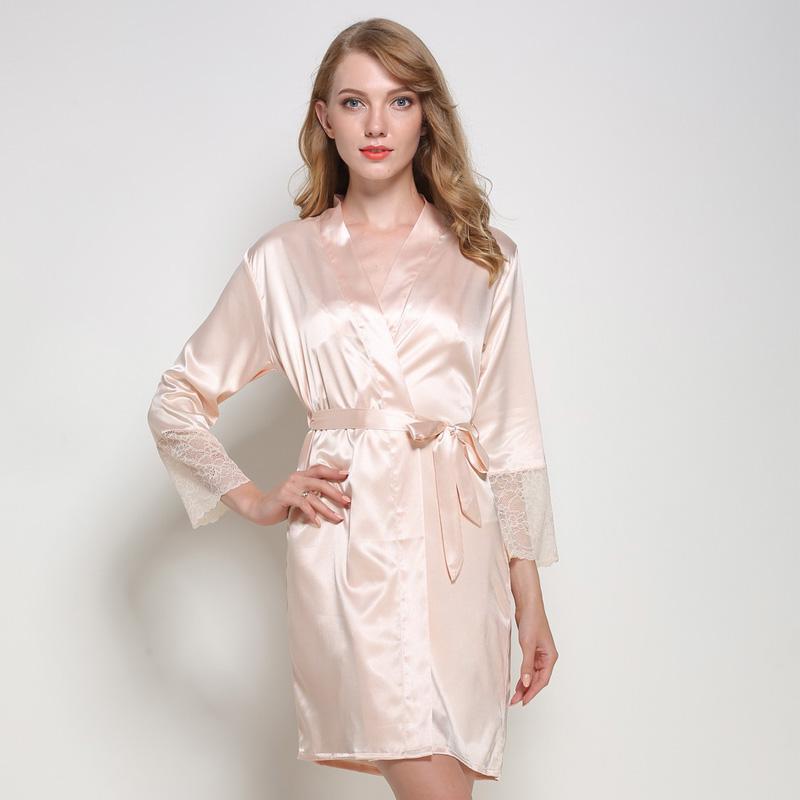 ee191175fa73 Acquista Kimono In Raso Robes Con Pizzo Femme Sexy Lunghi Accappatoi Da  Notte Donna Damigella D onore In Seta Sintetica Abbigliamento La Casa Plus  Size Nero ...