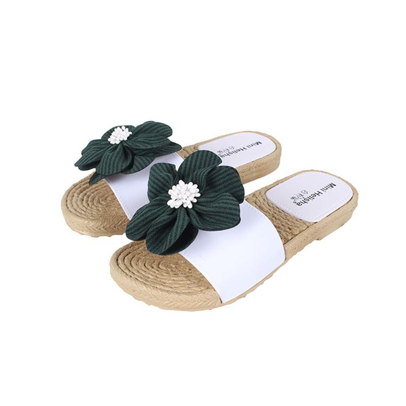 26a5290c515 Mini Helisha Fashion Design Round Flower Lady Flat Shoes PVC Women PCU  Slippers Mens Boots Winter Boots From Amoybasketballshoes