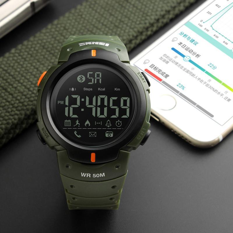 82c2a42a719 Compre Smart Watch Men Skmei Marca Pedômetro Remoto Da Câmera Caloria  Lembrete Bluetooth Smartwatch Homens Esporte Relógios Relogio Masculino De  Bojiban