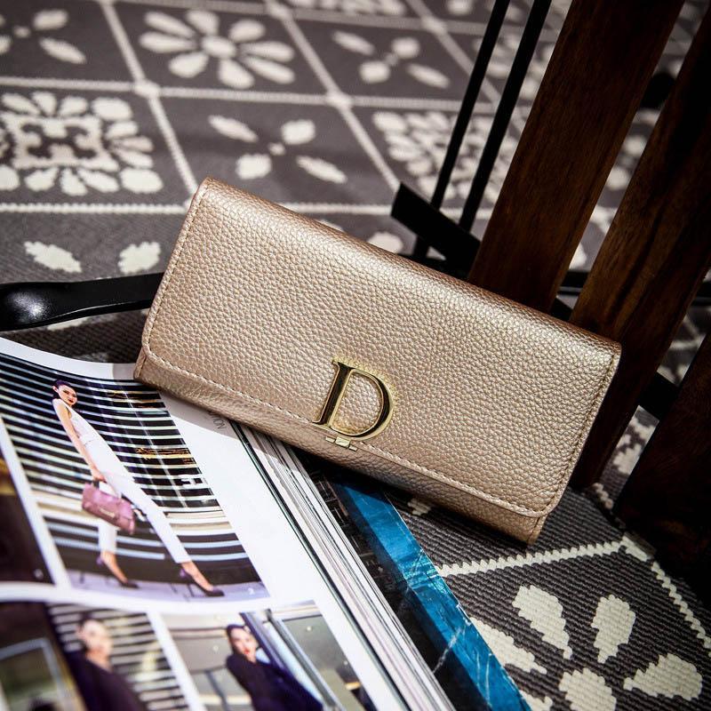 2017 جديد أزياء المرأة محافظ العلامة التجارية الشهيرة تصميم d إلكتروني السيدات الفاصل المحفظة جميل حقيبة بو الجلود carteras