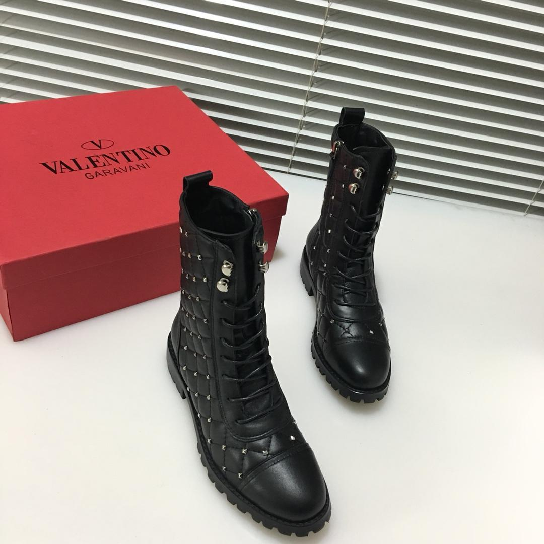 451e38f9a6ffe 2018 Italian Luxury Brand V   Lentino Ladies Outdoor Leather Boots Metal  Nail Zipper Strap Design Decorative Casual Boots Sports Boots Box A Brown  Ankle ...