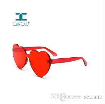Compre Nova One Piece Amor Coração Lente Óculos De Sol Das Mulheres Óculos  De Plástico Transparente Homens Estilo Óculos De Sol Claro Doce Cor  Designer De ... b9f66bafc3
