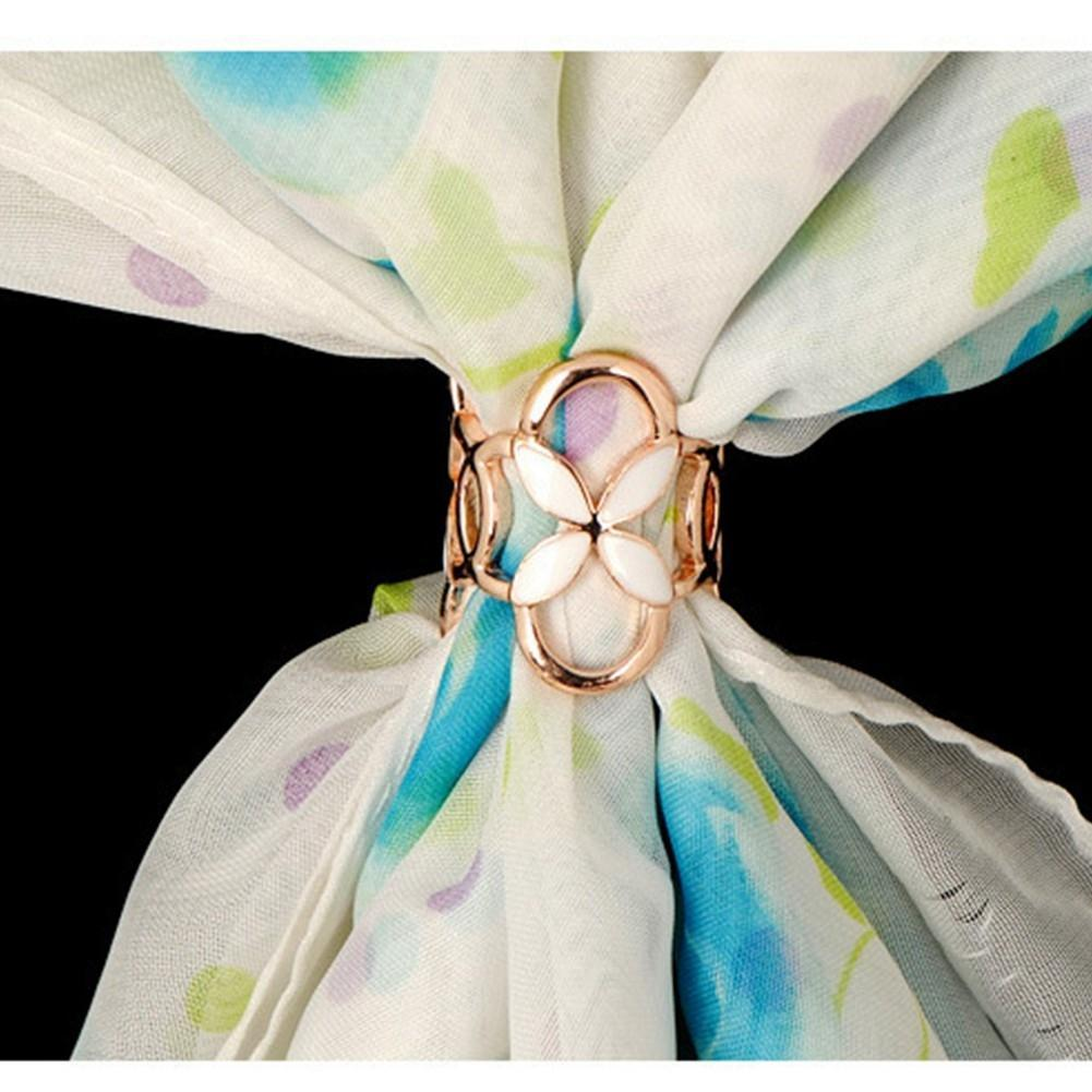 XY Fancy New Arrival Vintage Brooch Three Scarf Clip Four-leaf Clover Shawl Buckle Brooch Pin for Women Accessories zk25