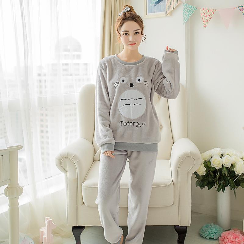 29dc262507f8 Großhandel Tier Pyjamas Niedlichen Cartoon Totoro Pyjama Charakter  Nachthemd Weiche Flanell Polyester Schlafanzug Rosa Winter Frauen Pijama  Adulto D18110501 ...