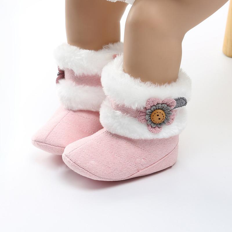 07b67fca4 Compre Botas De Invierno Para Bebés Recién Nacidos Botas De Peluche De  Felpa Suave Para Niñas Bebés Antideslizantes Botas Para La Nieve Mantener  Los Zapatos ...