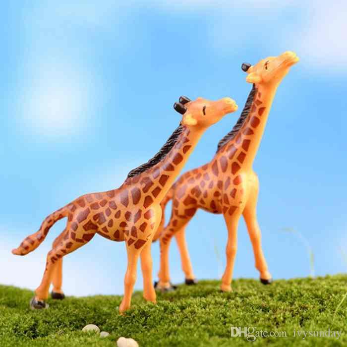 Poupée mignonne de girafe Ornement créatif Résine Artisanat Moss Terrarium Décoration Micro Paysage Accessoires Fée Jardin Bureau Bricolage Zakka