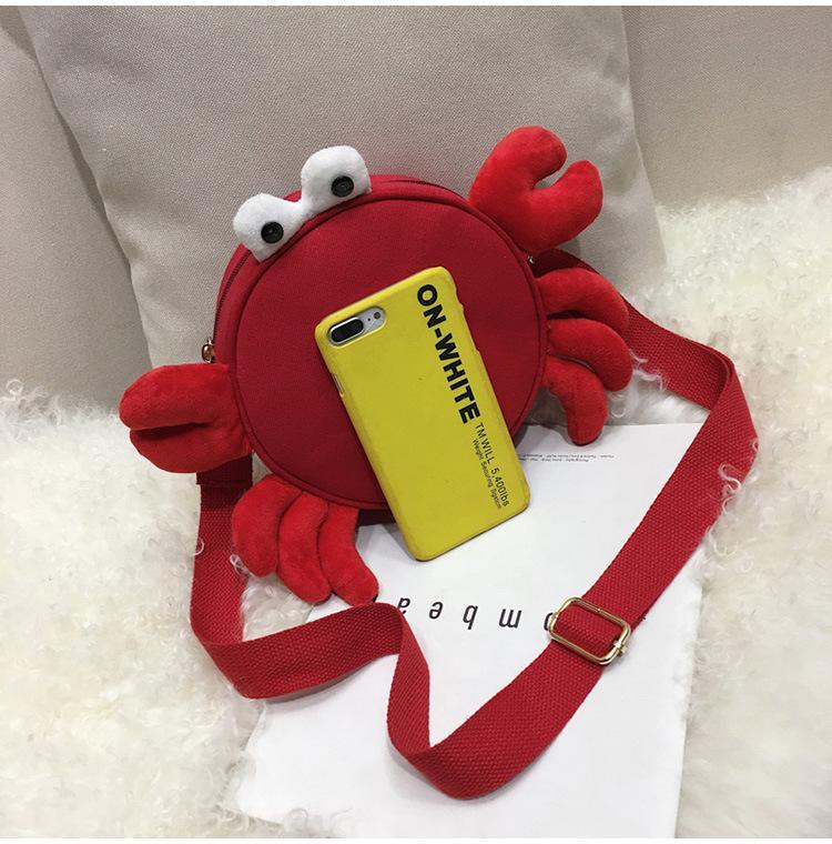 2018 hottest latest ladies shoulder messenger bag Cute crab shape round bag Fashion mobile phone change mini bag