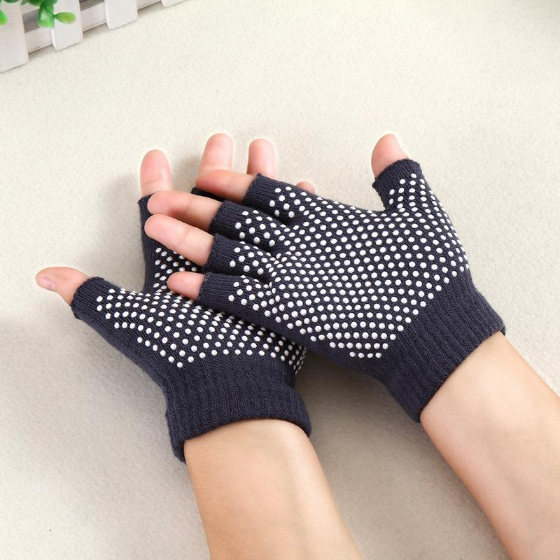 High Quality 1 Pair Of New Fitness Fingerless Gloves Mittens Gym Glove Half Fingers Gloves For Women Men Sports Outstanding Features Apparel Accessories
