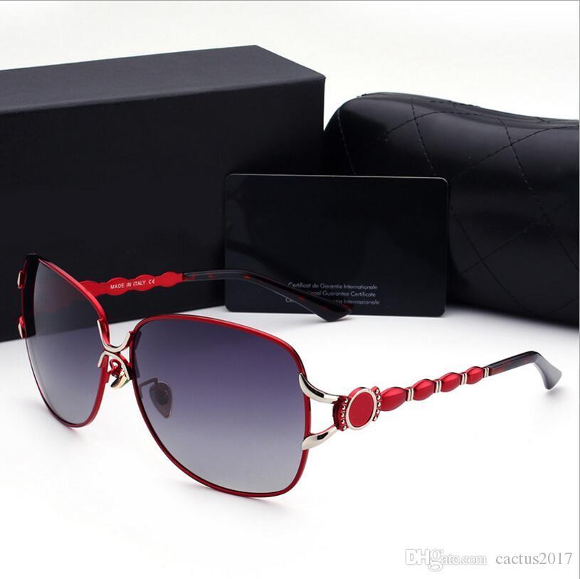 Compre Marca Polarizada Óculos De Sol Mulheres Condução Óculos De Sol Das Mulheres  Designer De Marca Mulheres Óculos De Sol De Luxo Óculos De Sol Feminino ... c0e6ea64f8