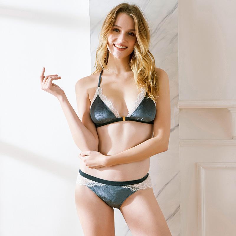 41ceb1e31a Women Front Closure Lace Bralette Sexy Lingerie Set Ultrathin Bra Set And  Transparent Panties Seductive Underwear Online with  43.22 Set on  Clothesg202 s ...