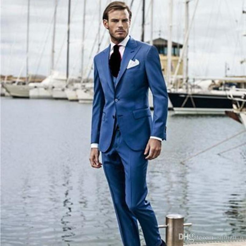 Fashionable Three Pieces Blue Groom Tuxedos Peak Lapel Groomsmen Best Man Mens Wedding Prom Suits (Jacket+Pants+Vest+Tie)