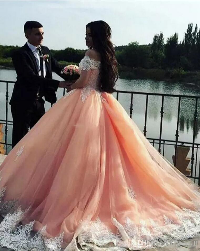 Plus Storlek Appliqued Lace Ball Gown Bröllopsklänningar 2020 Av Axel African Bridal Dresses Saudiarabiska Bröllopsklänningar Vestidos de Novia