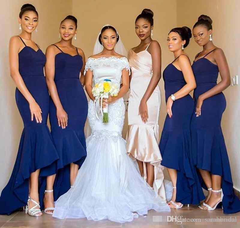 Azul marino Alto Bajo sirena vestidos de dama de 2020 espaguetis novia de escote Maid formal de los vestidos de honor del partido de huésped de la boda