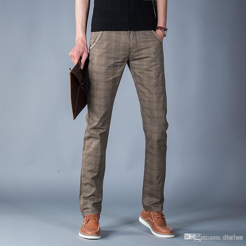 6d2cc1d7d5 Compre Al Por Mayor 2016 Recién Llegado De Moda De Nueva Completa De Cuadros  De Algodón Pantalones De Color Café De Los Hombres Pantalones Delgados  Envío ...
