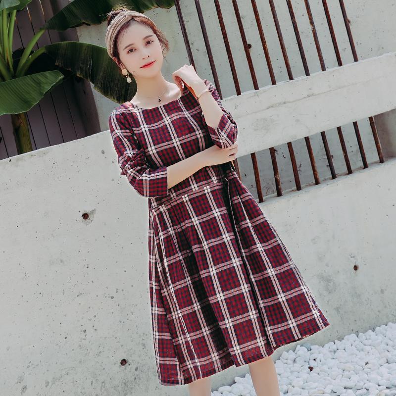 7b8790bbe0f8d Plaid Cotton Maternity Dress Autumn Korean Fashion Clothes for Pregnant  Women Elegant Long Sleeve Pregnancy Clothing