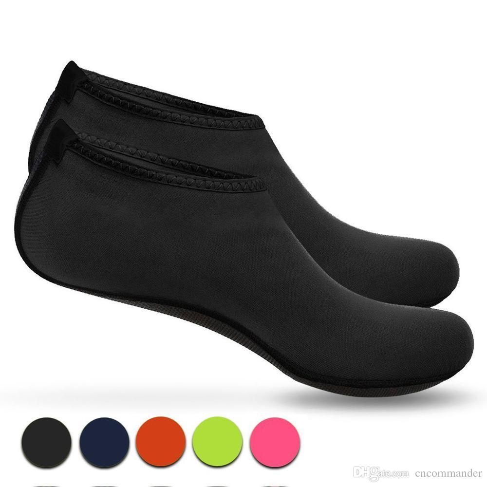 Compre Calcetines De Playa De Secado Rápido Zapatos Acuáticos Descalzos  Calcetines Acuáticos Calcetines De Arena Para Surf De Playa Natación En  Piscinas ... d7189299f133