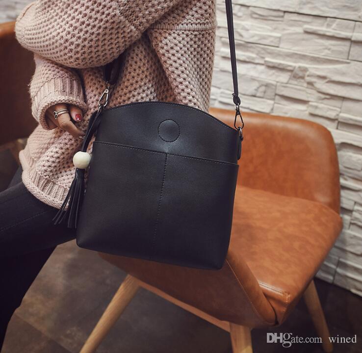 1245ae16585f 2018 New Designer Handbags Snake Leather Embossed Fashion Women Bag Chain Crossbody  Bag Brand Designer Messenger Bag Sac a Main Crossbody Bag Shoulder Bag ...