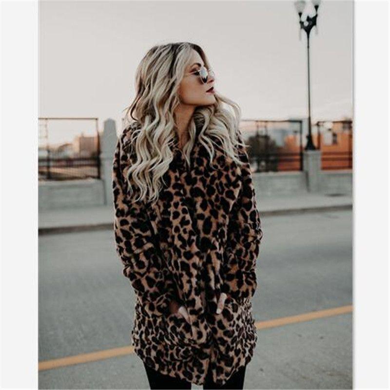 Abrigo de leopardo sintetico