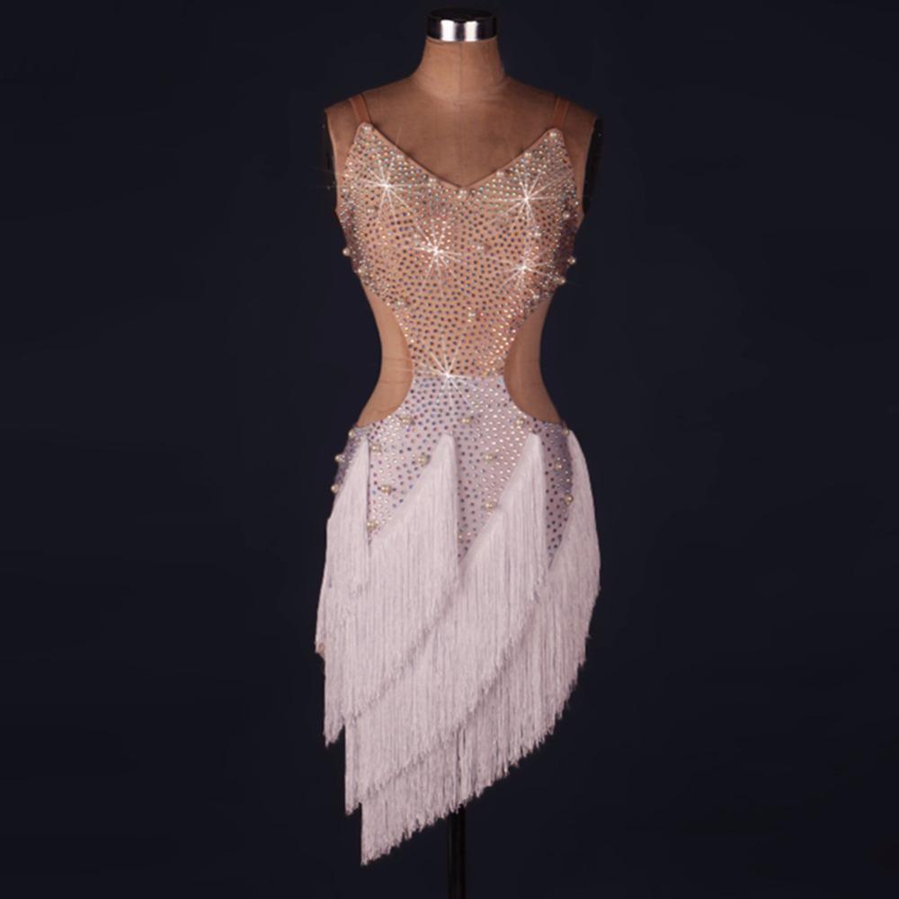 Compre Vestido De Flecos Latinos 2018 Vestido Flecos Cha Cha   Rumba    Samba   Salsa Vestido De Baile Falda Latina Ropa De Baile De 1920 Gatsby A   91.46 Del ... 874b9a5ca5d6