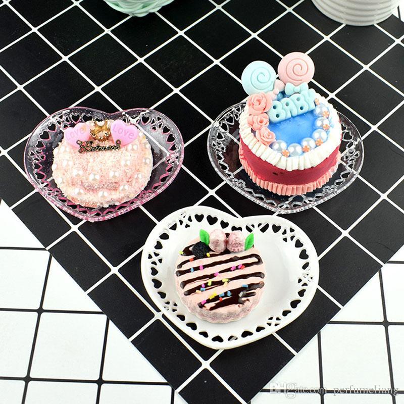 Évider Coeur Forme Plat Mini Plaque En Plastique Dessert Gâteau Artificiel DIY Ornement Photographie Props ZA6393