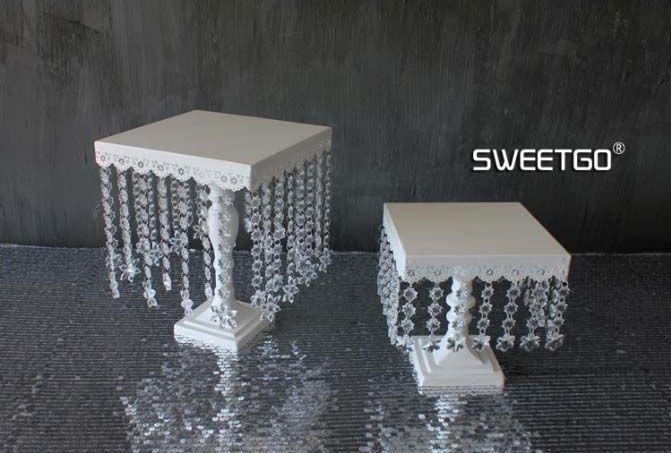 Cake Stands White Crystal Iron Wedding Cake Shelf Acrylic Pandant Cake Pan Iron Dessert Tray L S SIZE