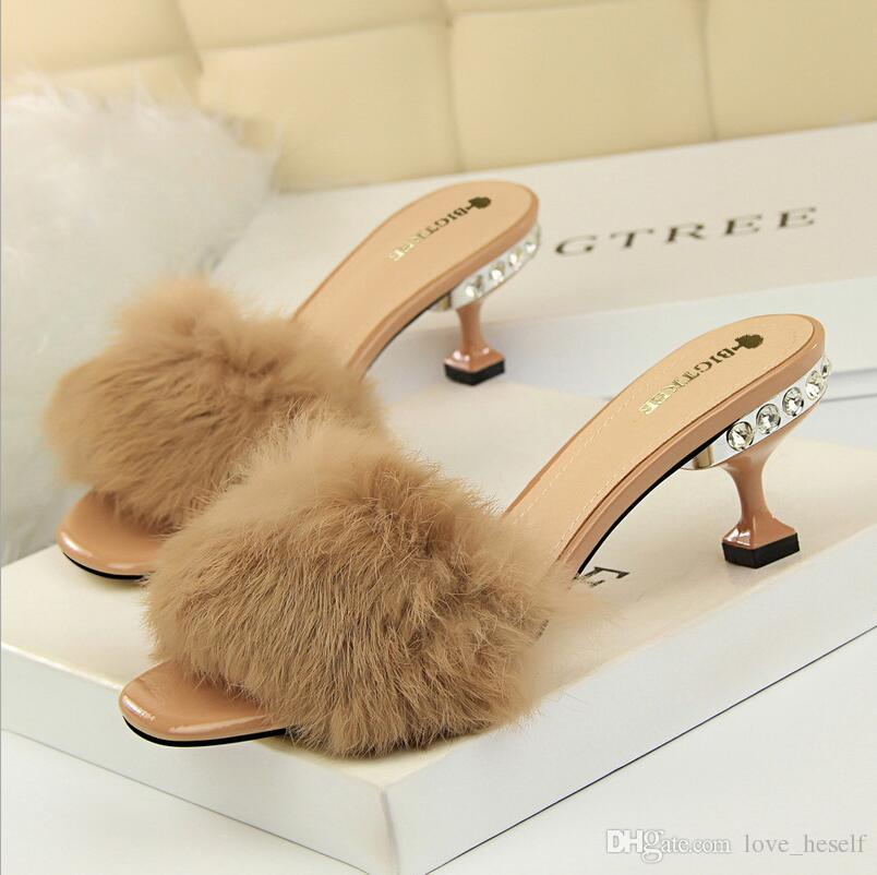 2973d1bc864b1 Women Open Toe Furry Flat Slippers Summer Fashion Soft Outdoors Fur ...