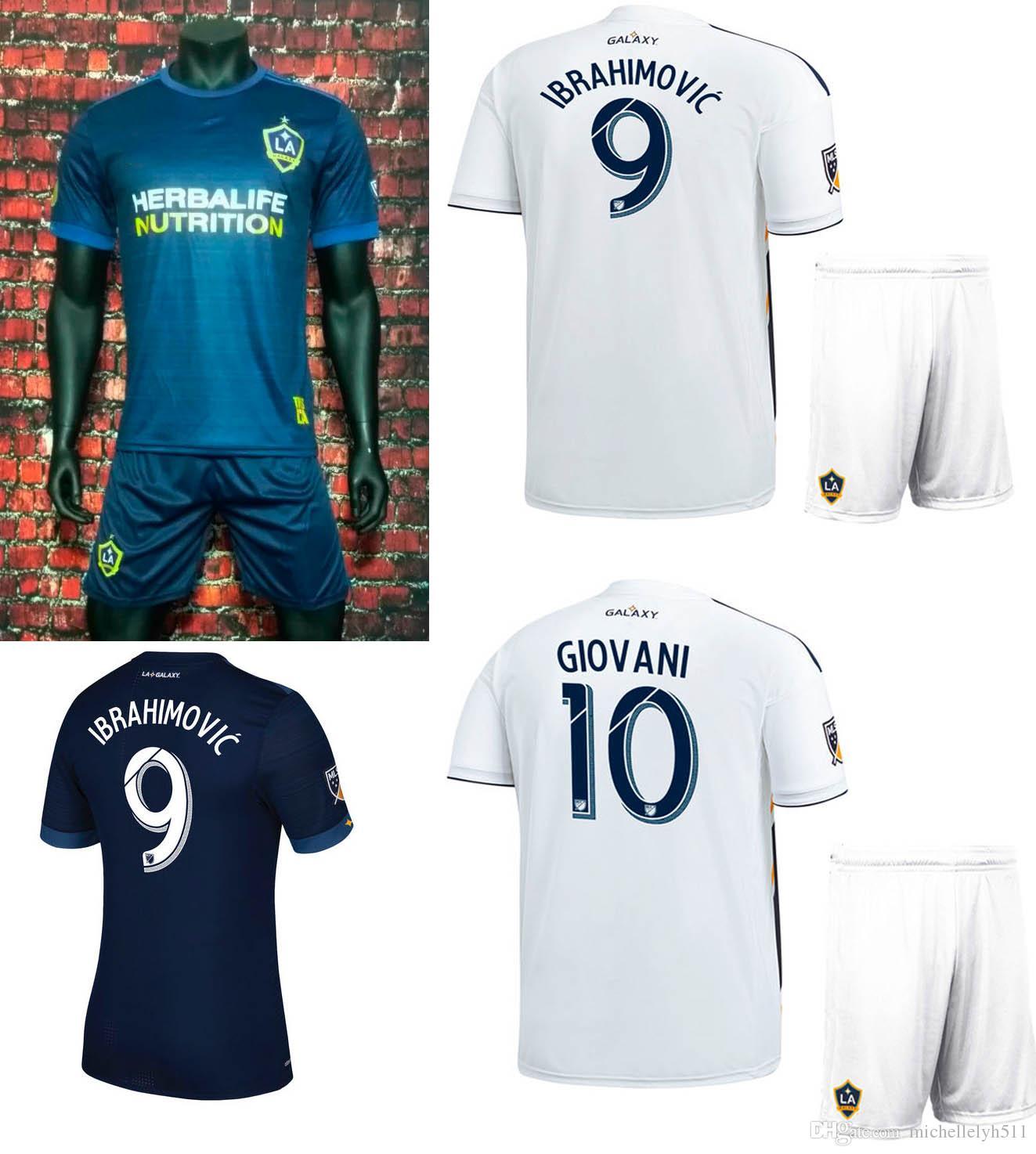 Compre 2018 LA Galaxy Camisa De Futebol Shorts 18 19 Ibrahimovic GIOVANI  Camisas De Futebol 17 18 Los Angeles Galaxy Fora Thai Qualidade Uniformes  De ... a24b619140e81