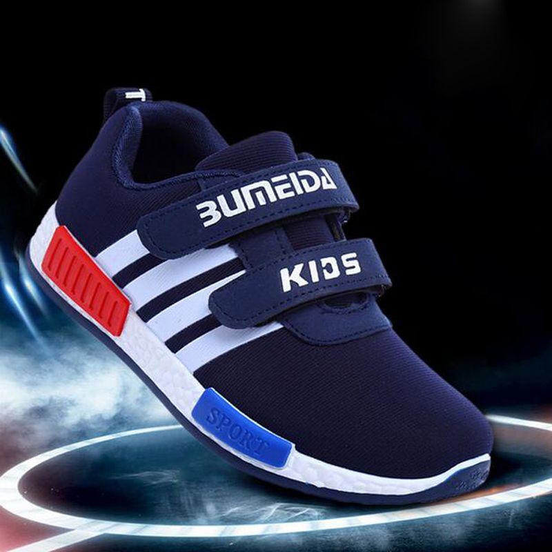 Top Cheap Children chaussures de sport primaire Athletic école Korean Style chaussures de course vague antidérapante et portable chaussures