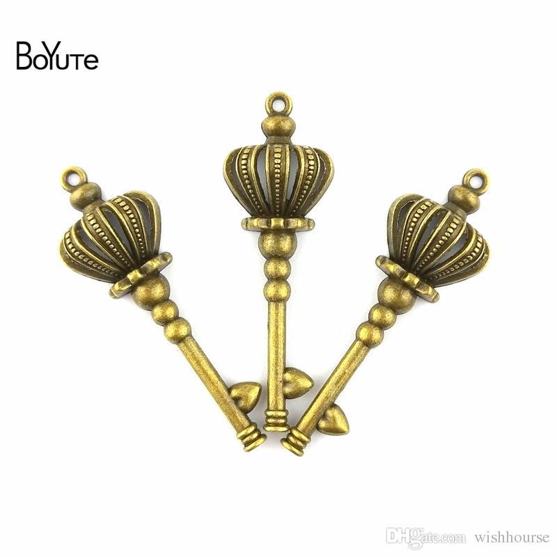 BoYuTe  52*23MM Zinc Alloy Vintage Crown Key Charms Pendants Jewelry Making Diy Necklace Charm Pendants Handmade Crafts