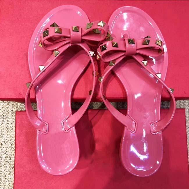 Nude Preto Verão Geléia Cor Mulheres Flip Flops Chinelos Sandálias Flat Arco Rebite Moda Pvc Cristal Praia Sapatos com caixa 35-41 chinelo de Prata