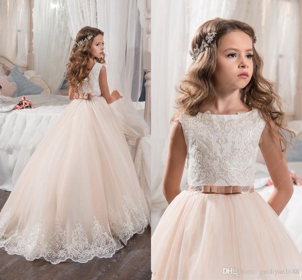 Robes de demoiselle sur mesure pour mariage Blush Rose Princesse Tutu Paillettes Appliqué Dentelle Bow 2018 Vintage Enfant Première Communion Robe