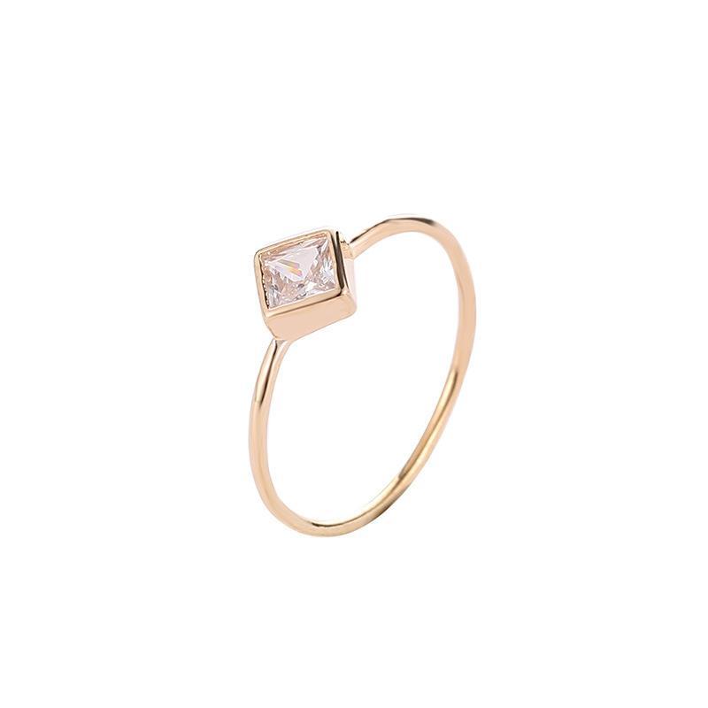5dacd37b9b19e Compre Simples Feminino Geométrica Zircão Anel Delicado Quadrado Diamante  Anel Personalidade Único Anel Acessórios De Lj740118764,  0.87    Pt.Dhgate.Com