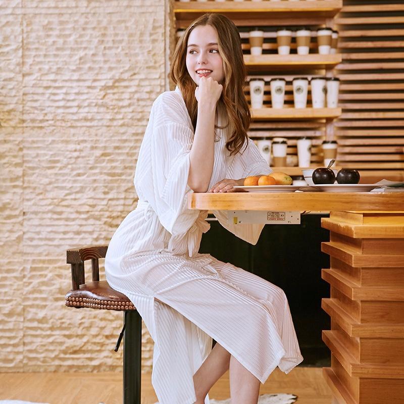 2019 Thin Gold Velvet Single Dressing Gown Ms Autumn Long Pajamas
