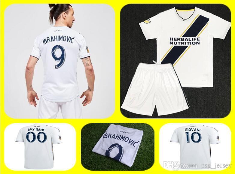 Compre 2018 AAA + La Galaxy Terno De Futebol Jersey Maillots De Futebol  Zlatan Ibrahimovic Galáxia Jersey Los Angeles Ibrahimovic Camisa Jersey  Camisetas De ... 99895a00d1a1a