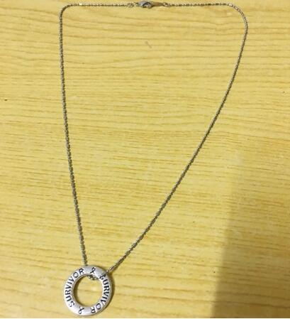 / vente chaudeSurvivor Awareness Ribbon Collier pendentif collier bijoux design agréable style chaud drop shipping nouvelle vente