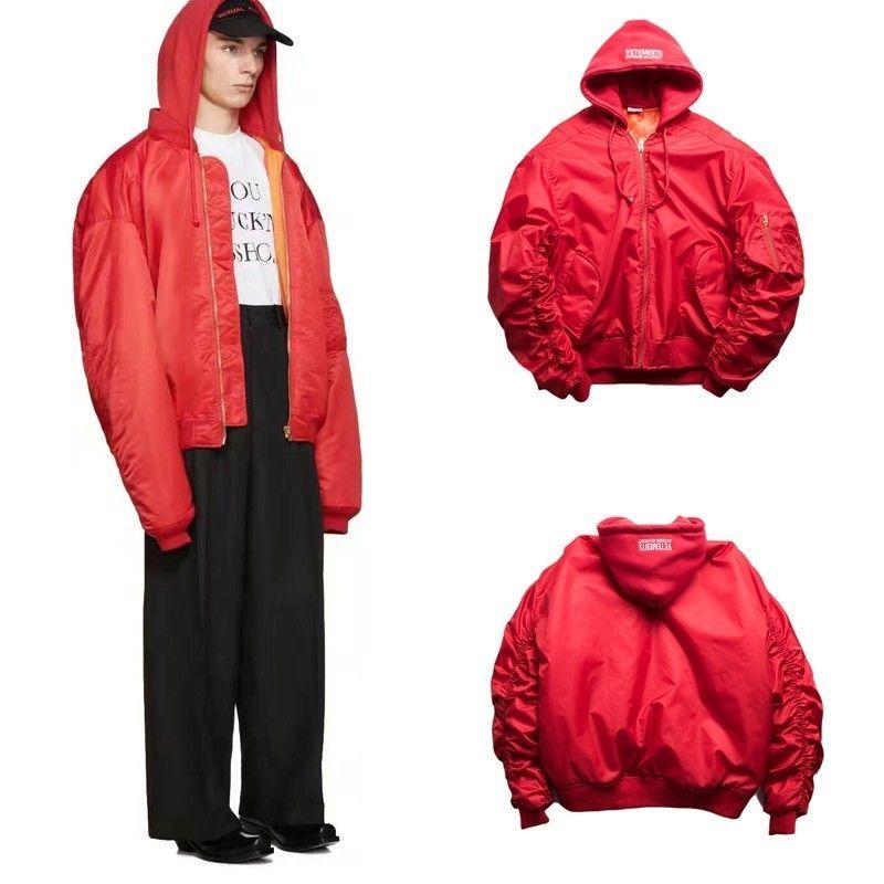 Acheter 18FW VETEMENTS Veste À Capuche Rouge Hommes Et Femmes Couple Haute  Qualité Fashion Down Veste HFBYYRF053 De  75.4 Du Fear store   DHgate.Com a026e0edbb56