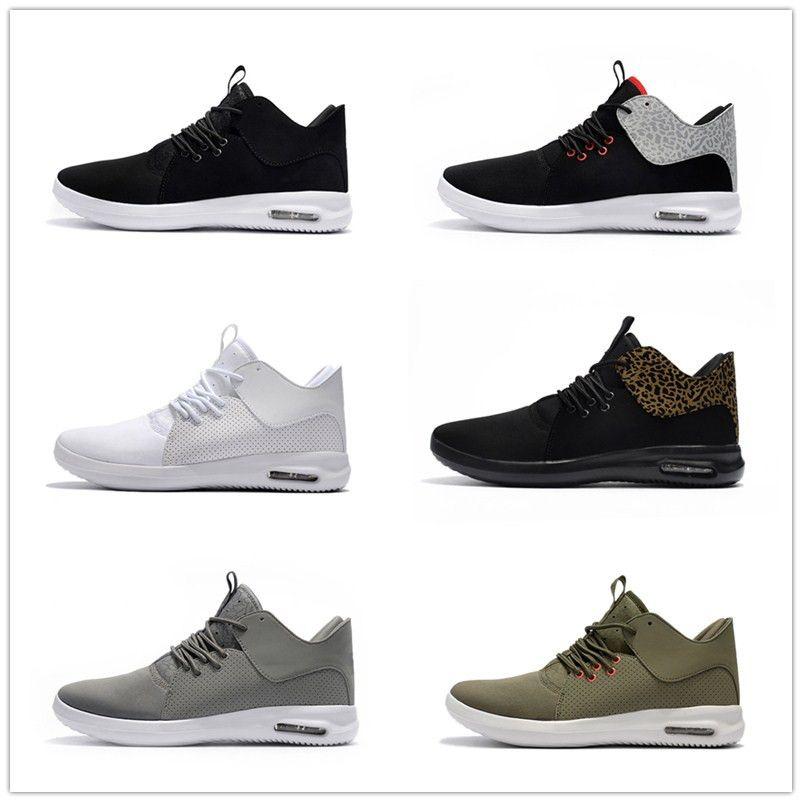 new arrival 8191c d8f97 Acheter 2018 Date Première Classe Hommes Légers Chaussures De Course Pas  Cher Marque Designer Sneakers Hommes Noir Blanc Trainers Chaussures De   100.51 Du ...