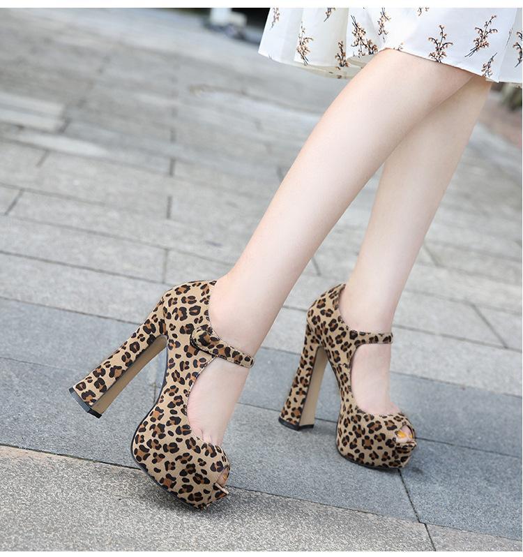 1b571f199a9 Compre Damas Elegantes Zapatos De Tacones Altos Plataforma Sexy Peep Toe  Leopardo Talón Grueso Bombas De Gran Tamaño 35 44 es Marca Zapatos De Mujer  A ...