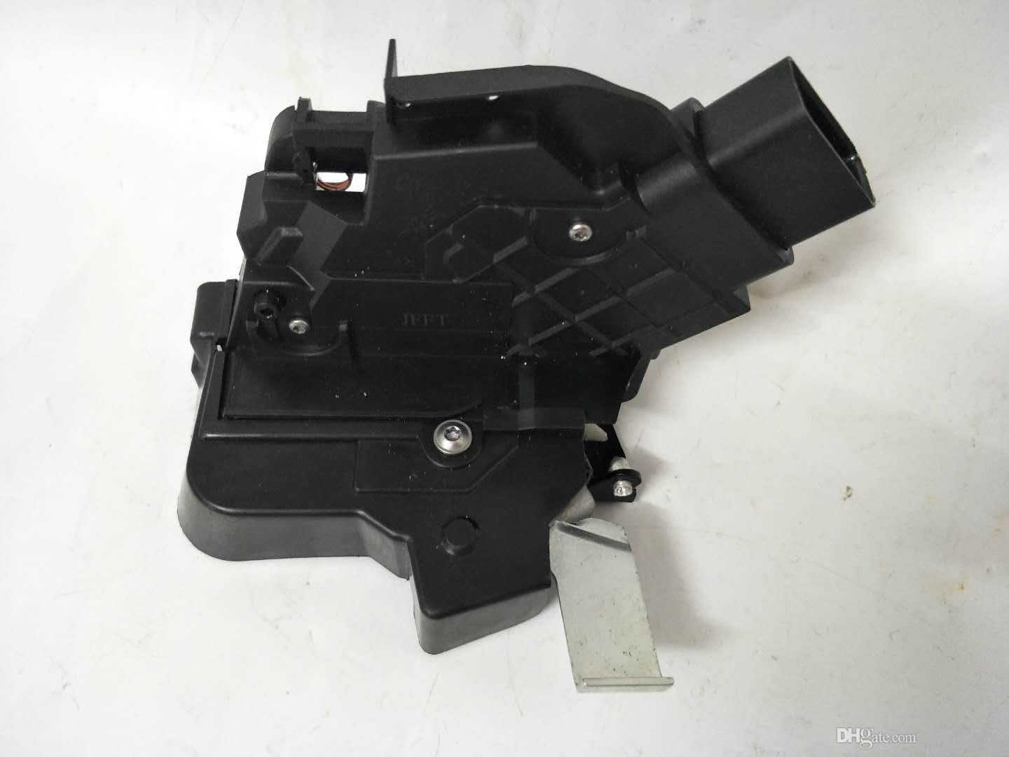 Front Right CENTRAL DOOR LOCK ACTUATOR FOR FORD FOCUS 1 8 MK2 C-MAX II  3M5A-R21812-AK