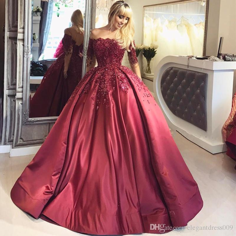 Elegante rosso di lusso in rilievo da sera Prom Dresses Off spalla applique maniche lunghe Sweep treno abiti da sera lunghi abiti da festa formale raso