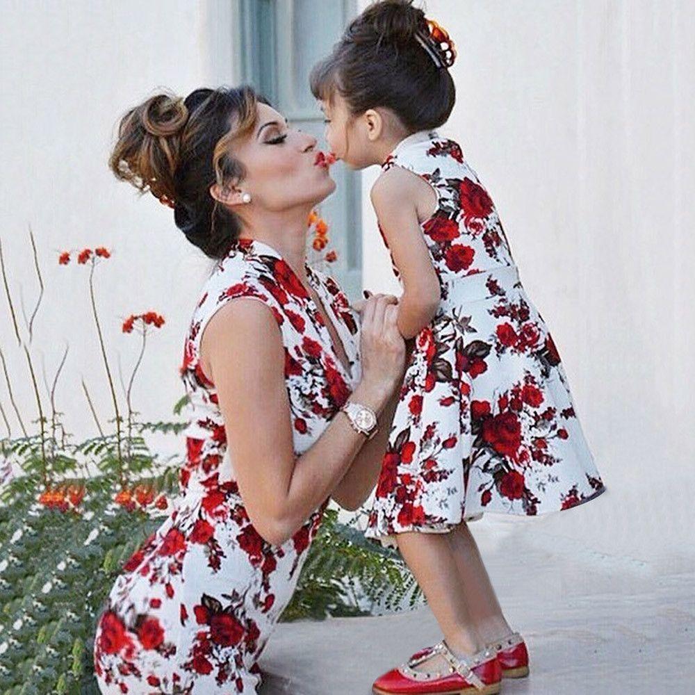 02ab2ac0c Compre Vestido De Verano 2018 Match Vestidos De Madre E Hija Estampado  Floral De Moda Ropa De Mami Y Yo De Manga Corta Ropa Familiar A Juego A   35.58 Del ...