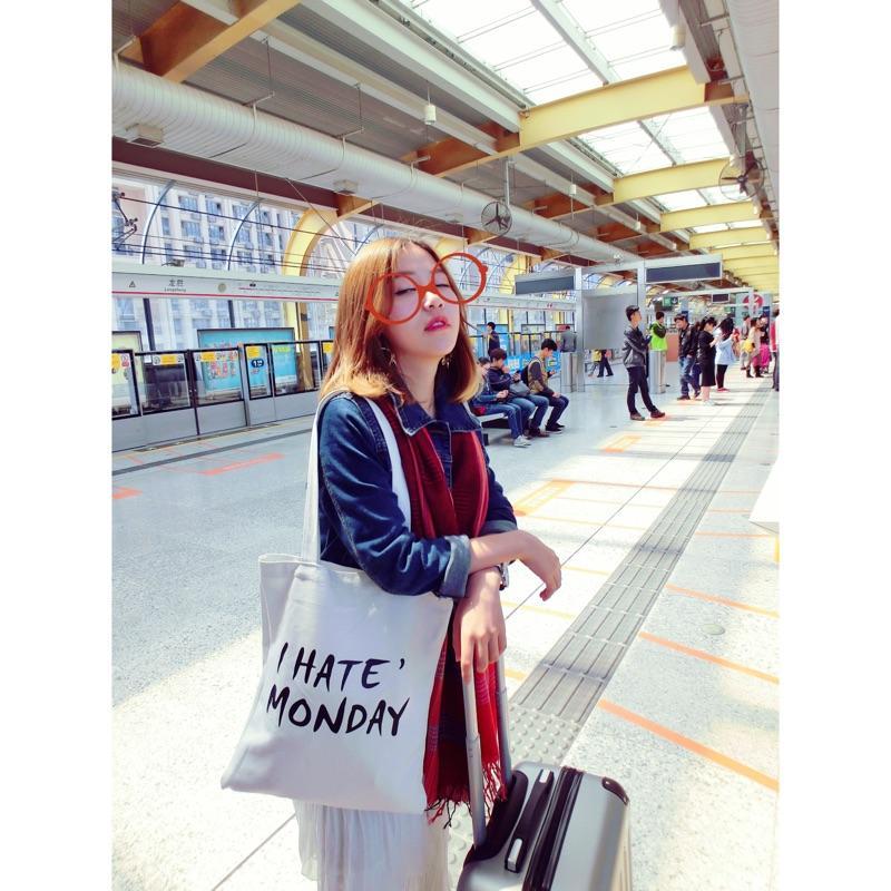 2017 herbst Winter Neue Heiße Mode Frauen Weibliche Leinwand Taschen Einkaufstaschen Umhängetaschen Student Portable Reißverschlusstasche Buchstaben