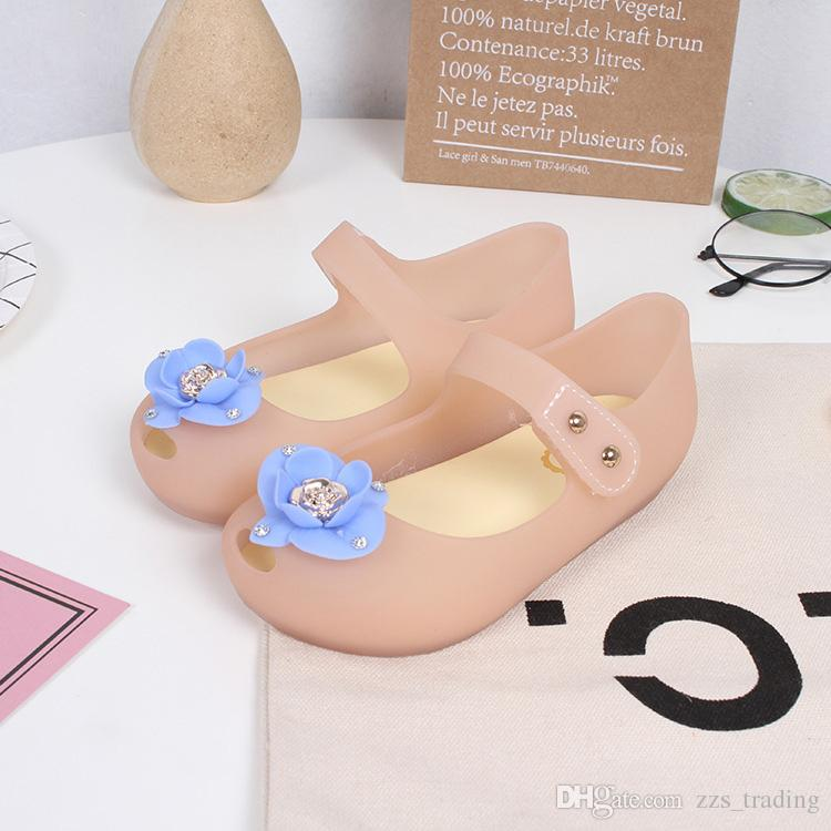 bc28886c57f0d New Child Girls Jelly Shoes Boys Girls Sandals Soft Comfort Toddler Baby  Girl Sandals Beach Sandals For Kids Non Slip Light Hot Products Childrens  Shoes ...