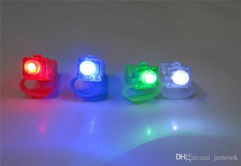 Dedo do DIODO EMISSOR de luz da lâmpada Dedo Anel de Luzes de Brilho De Laser Dedo Partido Flash Kid Brinquedos 4 Cores de Presente de Natal a366
