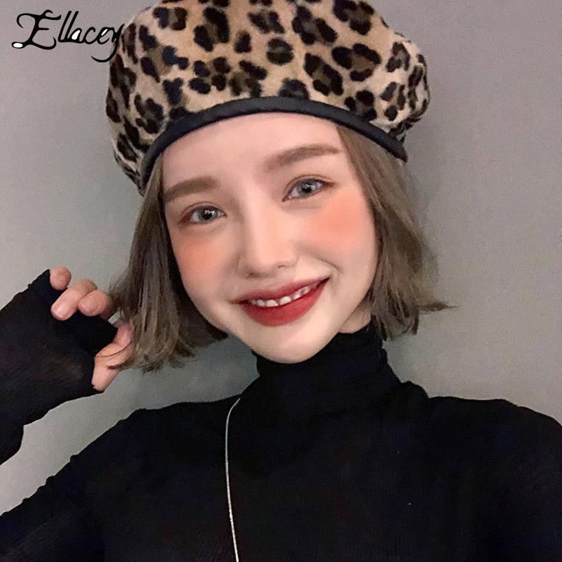 Acheter Ellacey 2018 Automne Hiver Leopard Femmes Bérets Rétro Laine Cap  Filles Peintre De La Mode Chapeaux En Cuir PU Chapeau Léopard Femelle De   34.74 Du ... a70a291f966